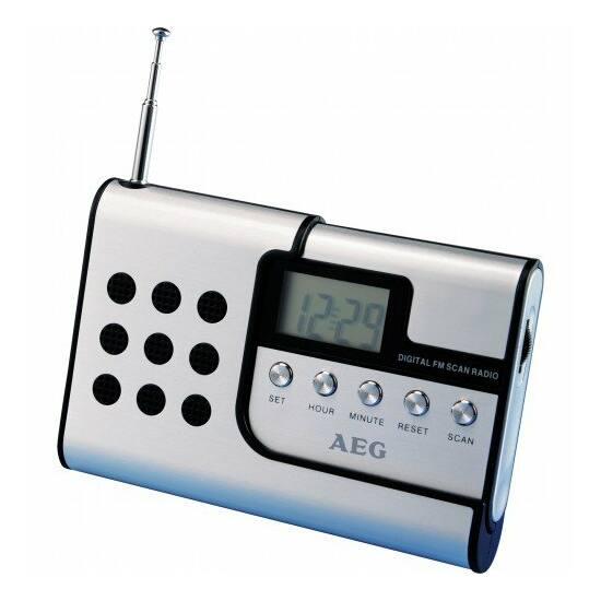 AEG DRR4107 digitális útirádió, elemes, fülhallgatóval